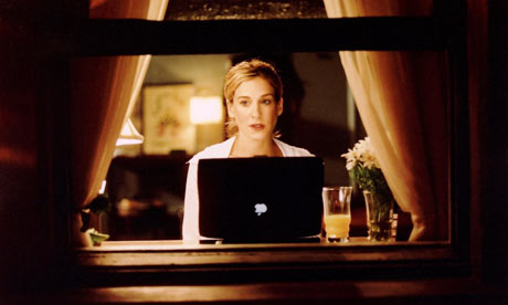 Carrie-with-her-Mac