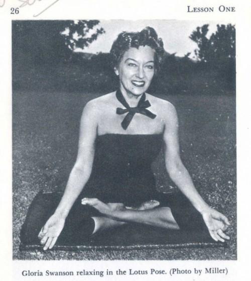 gloria-swanson-yoga-500x558
