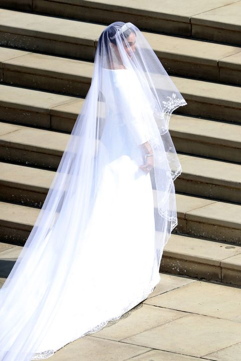 wedding hbz-meghan-markle-wedding-dress-gettyimages-960050434-1526728987
